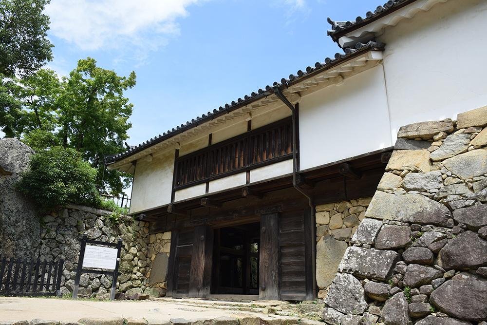 国宝・彦根城を歩く。 その3 <太鼓丸~太鼓門櫓~本丸>_e0158128_16364142.jpg