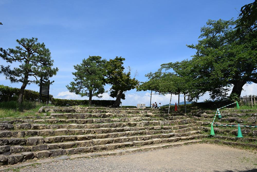 国宝・彦根城を歩く。 その3 <太鼓丸~太鼓門櫓~本丸>_e0158128_16480948.jpg