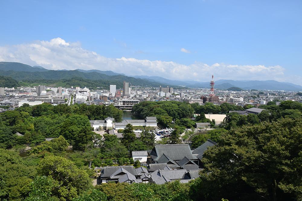 国宝・彦根城を歩く。 その3 <太鼓丸~太鼓門櫓~本丸>_e0158128_16535938.jpg