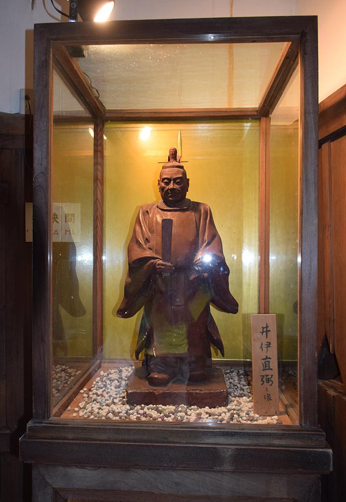 国宝・彦根城を歩く。 その4 <国宝天守>_e0158128_17190104.jpg