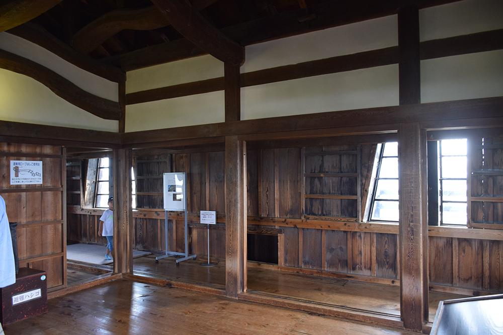 国宝・彦根城を歩く。 その4 <国宝天守>_e0158128_17341010.jpg