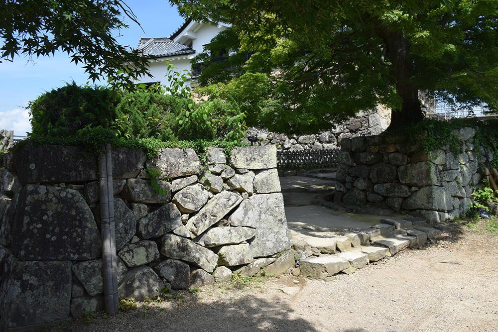 国宝・彦根城を歩く。 その5 <西の丸~出曲輪>_e0158128_17444316.jpg