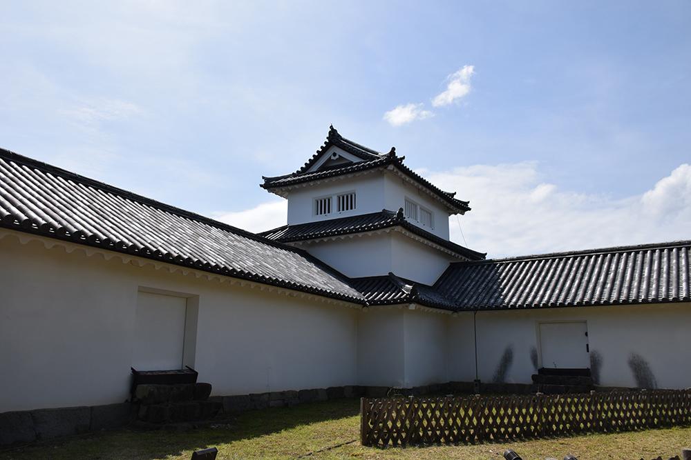 国宝・彦根城を歩く。 その5 <西の丸~出曲輪>_e0158128_17501361.jpg