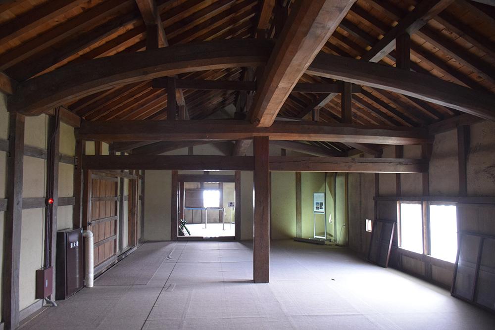 国宝・彦根城を歩く。 その5 <西の丸~出曲輪>_e0158128_17523780.jpg