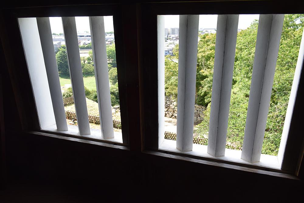 国宝・彦根城を歩く。 その5 <西の丸~出曲輪>_e0158128_17560489.jpg