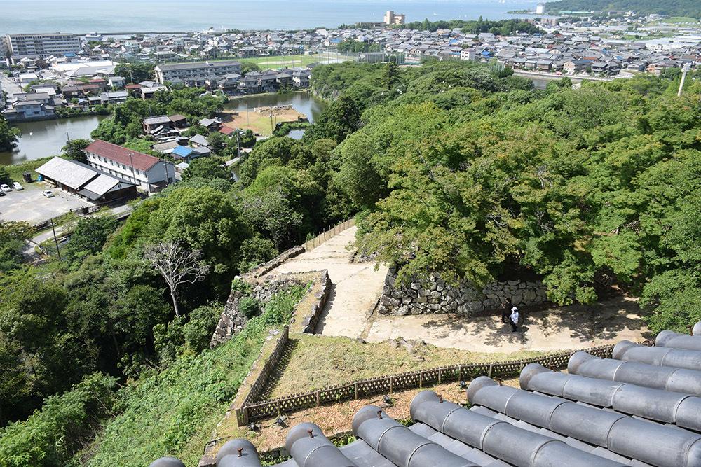 国宝・彦根城を歩く。 その5 <西の丸~出曲輪>_e0158128_18065088.jpg