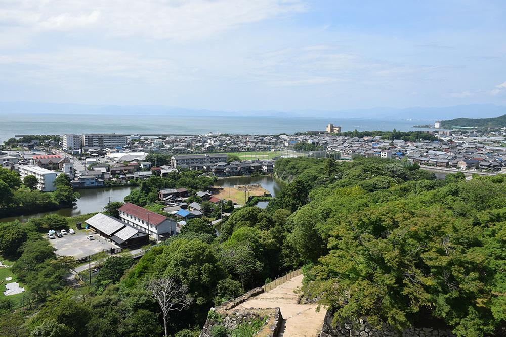 国宝・彦根城を歩く。 その5 <西の丸~出曲輪>_e0158128_18065392.jpg