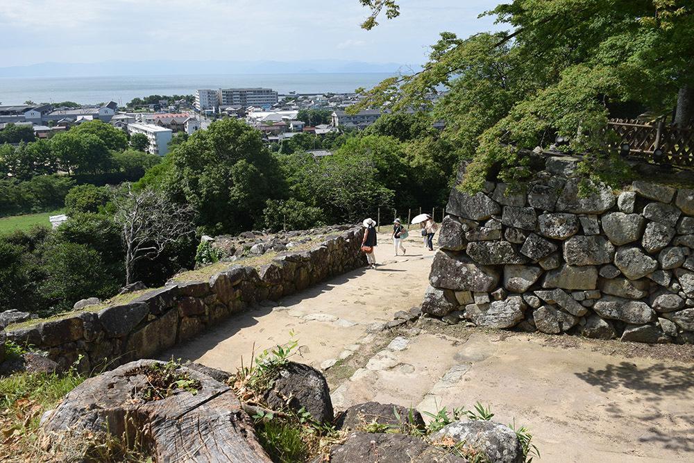 国宝・彦根城を歩く。 その5 <西の丸~出曲輪>_e0158128_18143666.jpg