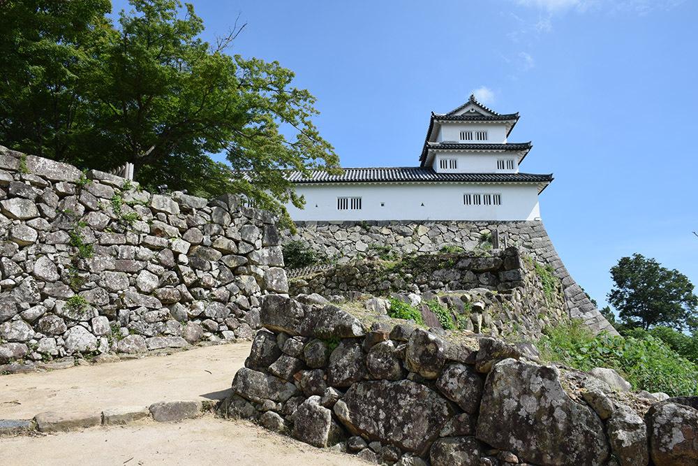 国宝・彦根城を歩く。 その5 <西の丸~出曲輪>_e0158128_18143902.jpg