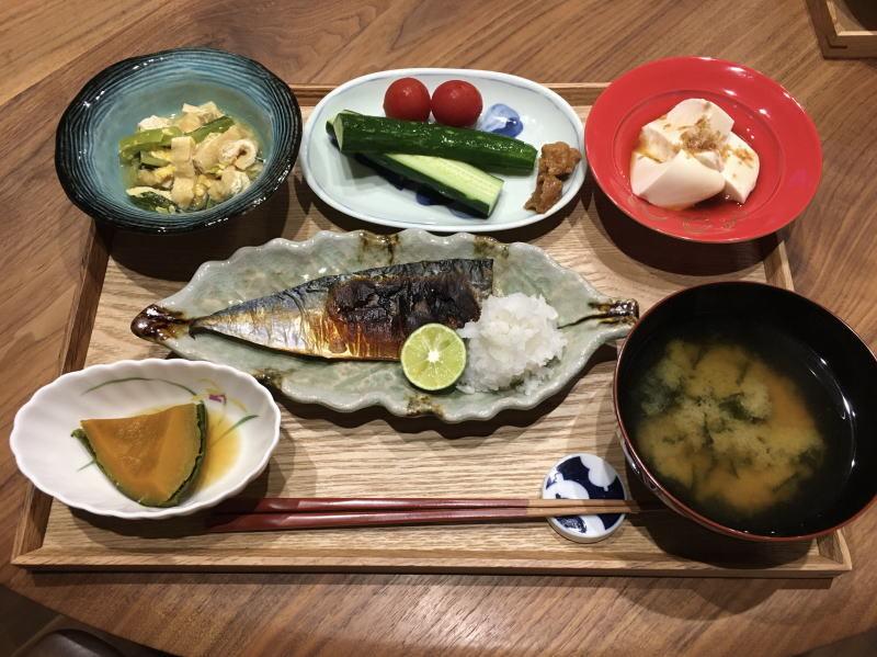 小松菜 油揚げ 味噌汁