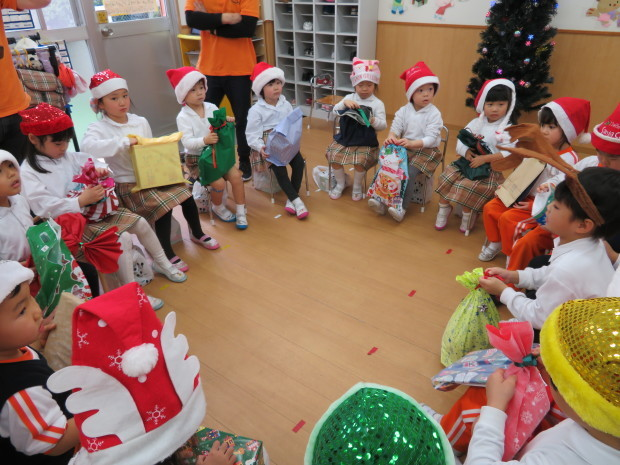 Merry Christmas!_e0119166_17085165.jpg