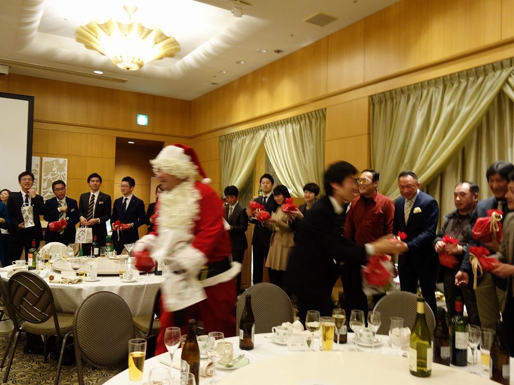 第21回 クリスマス親睦会を開催いたしました_e0190287_16285280.jpg