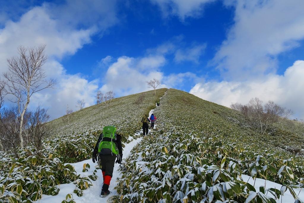 雪の少ないイチャンコッペ山、2019.12.20_f0138096_21590717.jpg