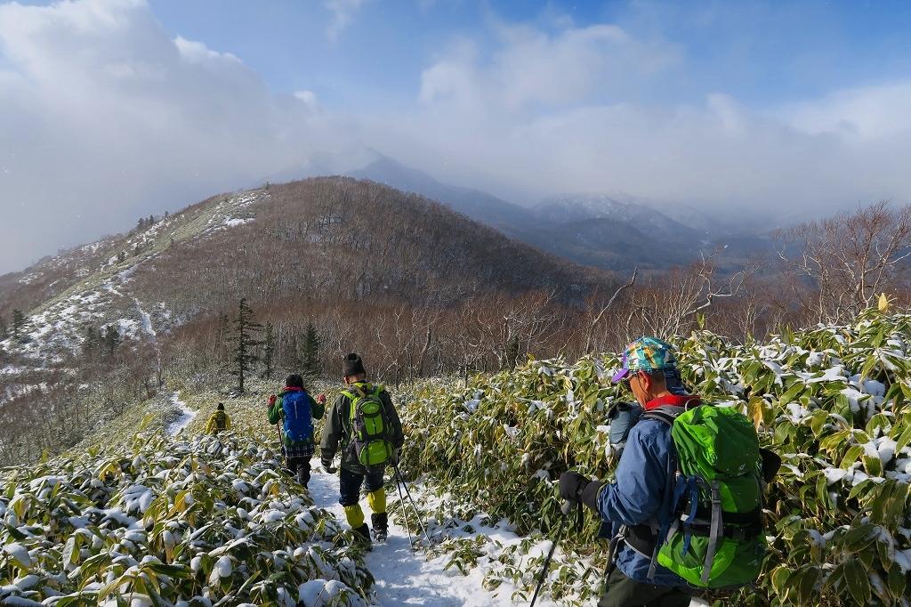 雪の少ないイチャンコッペ山、2019.12.20_f0138096_22005543.jpg