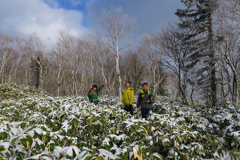 雪の少ないイチャンコッペ山、2019.12.20_f0138096_22103976.jpg
