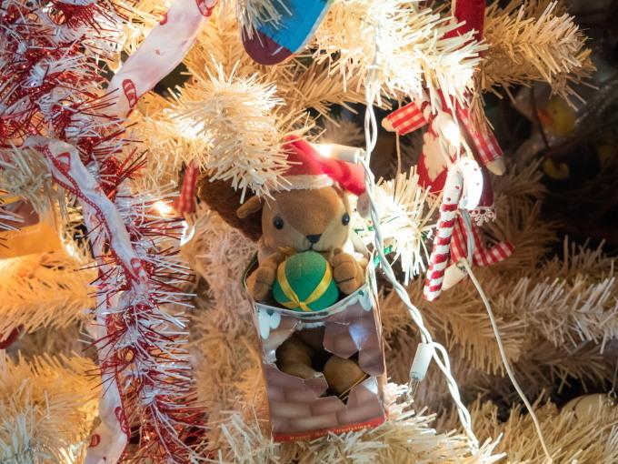 クリスマスツリーのシーズン・・今年はコアラ・カンガルーも参加!_f0276498_21170372.jpg