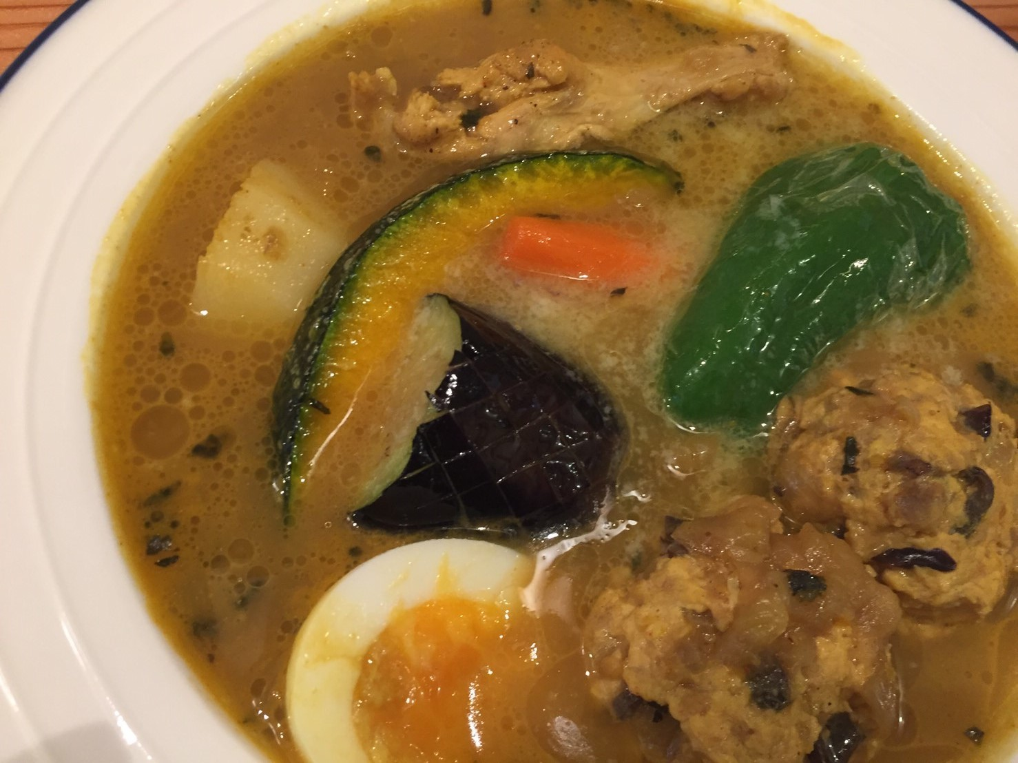 PARAKEET  限定カレー (ほっこり野菜とチキンのスープカレー)_e0115904_07452742.jpg