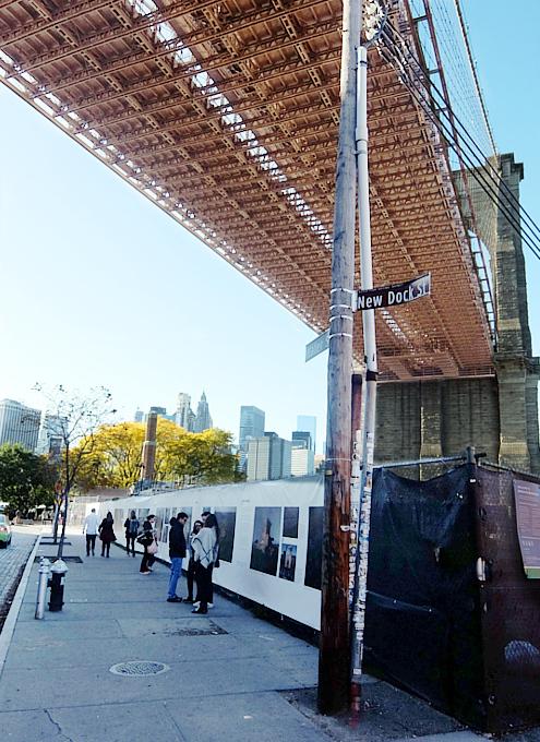 ブルックリン・ブリッジのたもと周辺の風景_b0007805_10474192.jpg