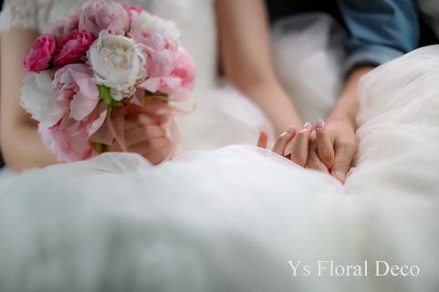 ハワイ挙式の新婦さんへ ピンク色のクラッチブーケ_b0113510_16573191.jpg