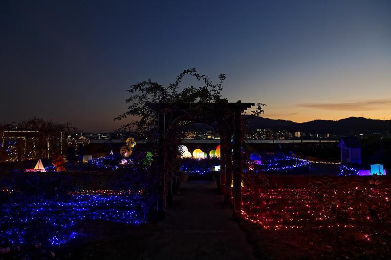 クリスマスイルミネーション@びわ湖大津館 2019イルミネーション「光のおもちゃの世界」_f0032011_17330134.jpg