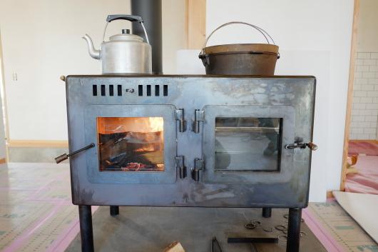 松本市のH様邸 オーブン付き薪ストーブ 納品_a0206732_17495231.jpg
