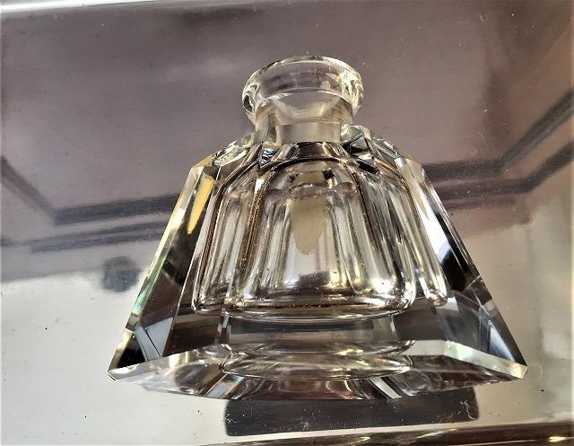 クリスタル六角瓶66_f0112550_02573353.jpg