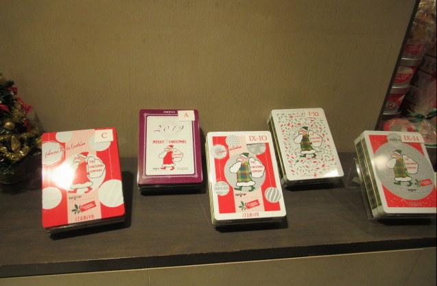 IZUMIYA 泉屋東京店 * 老舗菓子店のクリスマス限定缶♪_f0236260_02530385.jpg