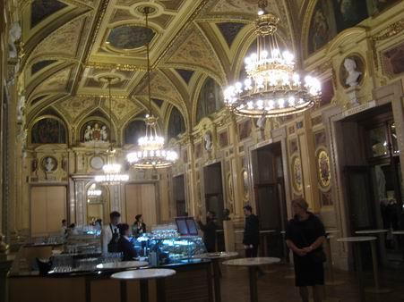 ウィーン国立歌劇場 「トスカ」と「ドン・ジョヴァンニ」の公演から_a0280569_04347.jpg