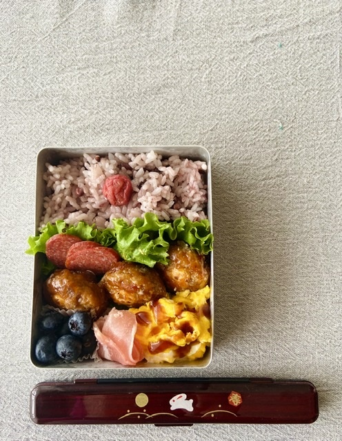 今日の冷食弁当_d0327373_09114284.jpeg
