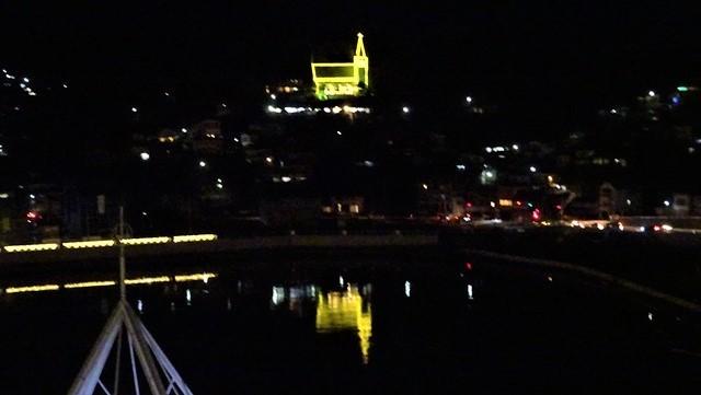 気仙沼は美しく魅力的な街に変わりました。美しい月明かりに気仙沼の街が浮かびます。・・・気仙沼プラザホテル・三陸の復興気仙沼は復興しました、夜景の綺麗な街_d0181492_22543223.jpg