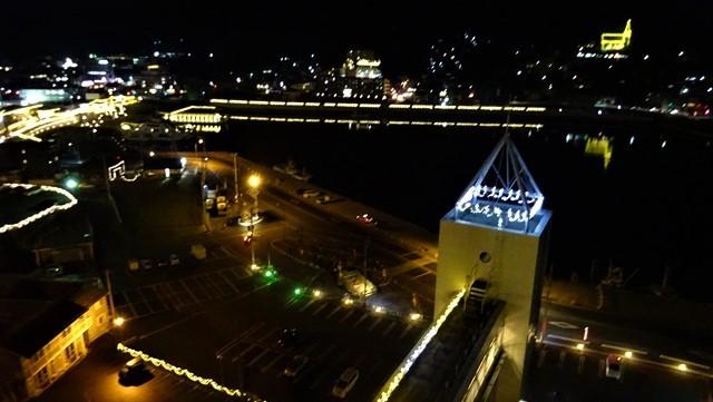 気仙沼は美しく魅力的な街に変わりました。美しい月明かりに気仙沼の街が浮かびます。・・・気仙沼プラザホテル・三陸の復興気仙沼は復興しました、夜景の綺麗な街_d0181492_22552034.jpg
