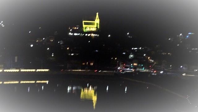 気仙沼は美しく魅力的な街に変わりました。美しい月明かりに気仙沼の街が浮かびます。・・・気仙沼プラザホテル・三陸の復興気仙沼は復興しました、夜景の綺麗な街_d0181492_22555520.jpg