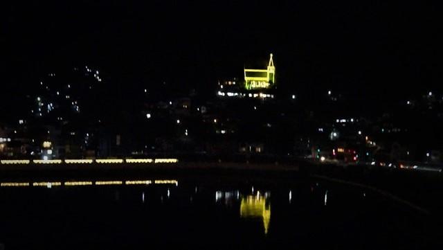 気仙沼は美しく魅力的な街に変わりました。美しい月明かりに気仙沼の街が浮かびます。・・・気仙沼プラザホテル・三陸の復興気仙沼は復興しました、夜景の綺麗な街_d0181492_22563107.jpg