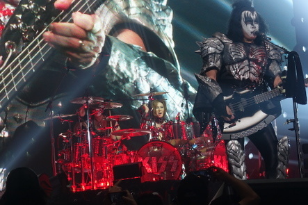 KISS『END OF THE ROAD WORLD TOUR』@最後の日本公演_b0118001_11275428.jpg