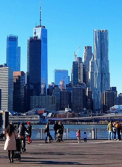 ブルックリン・ブリッジ横のボードウォークから見る摩天楼_b0007805_09265357.jpg