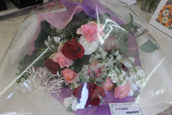 花束の贈り物_d0227610_13563585.jpg