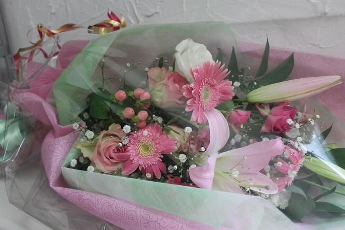 花束の贈り物_d0227610_13564052.jpg