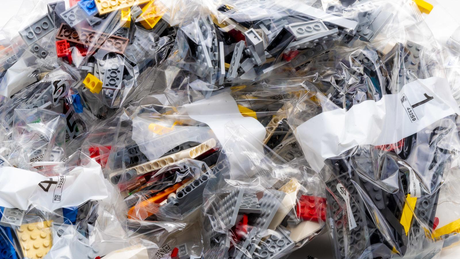 全長1mオーバー、LEGOで組む巨大なスター・デストロイヤーに本物の「優しさ」を感じた話_b0029315_17540306.jpg