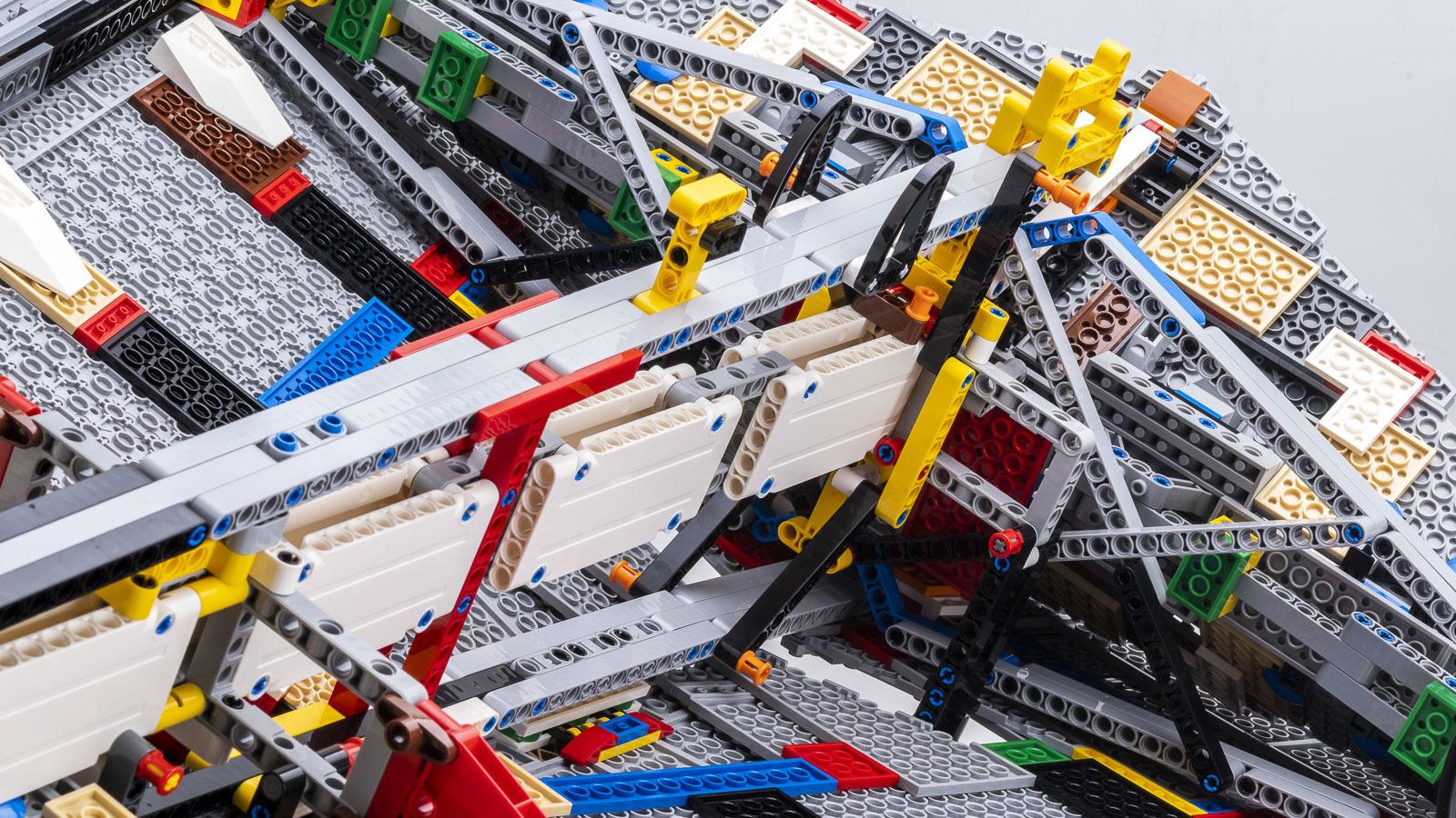 全長1mオーバー、LEGOで組む巨大なスター・デストロイヤーに本物の「優しさ」を感じた話_b0029315_18113972.jpg