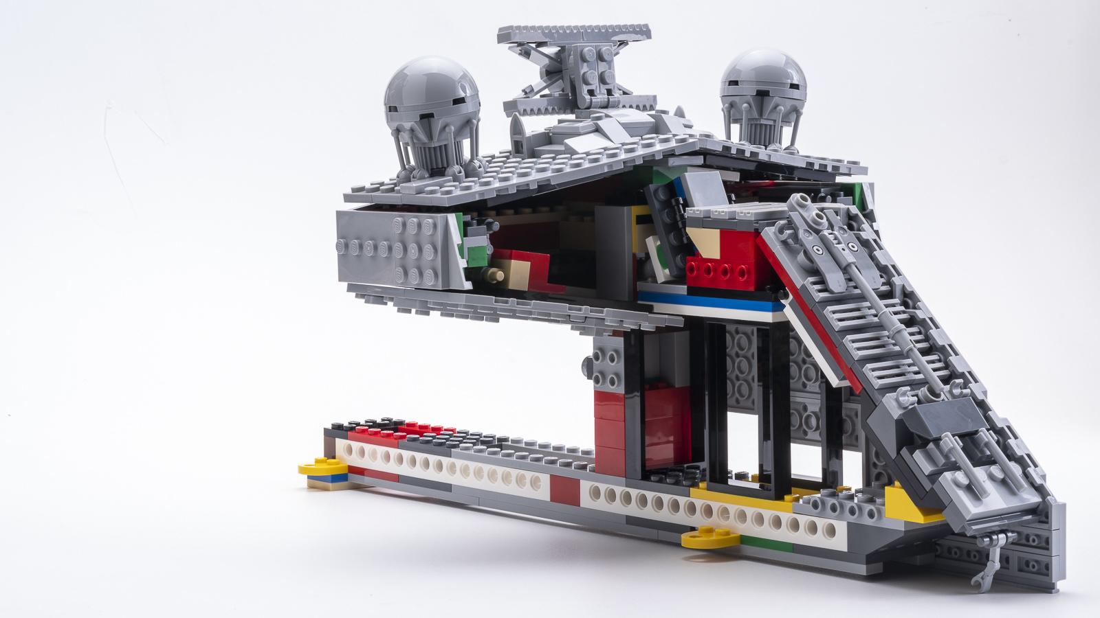 全長1mオーバー、LEGOで組む巨大なスター・デストロイヤーに本物の「優しさ」を感じた話_b0029315_18170842.jpg