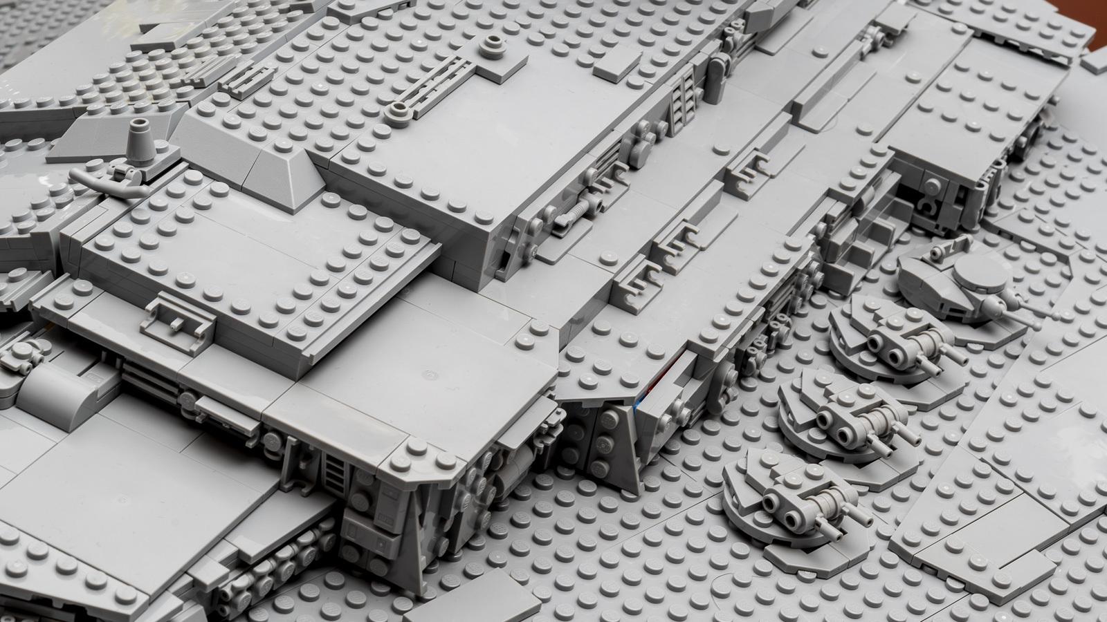 全長1mオーバー、LEGOで組む巨大なスター・デストロイヤーに本物の「優しさ」を感じた話_b0029315_18310337.jpg
