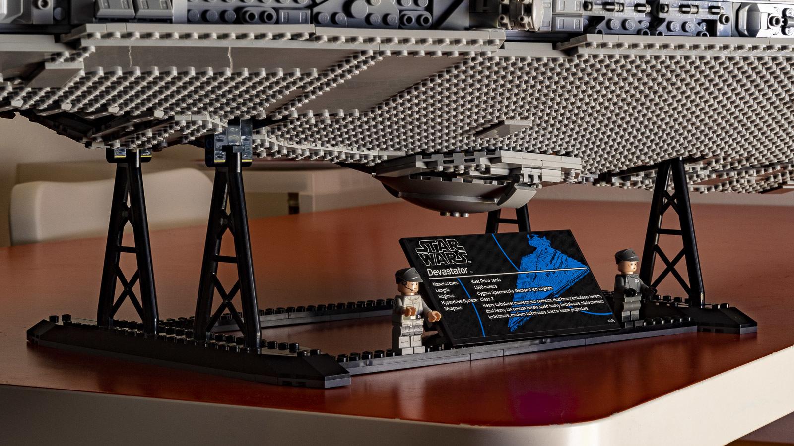 全長1mオーバー、LEGOで組む巨大なスター・デストロイヤーに本物の「優しさ」を感じた話_b0029315_18314506.jpg