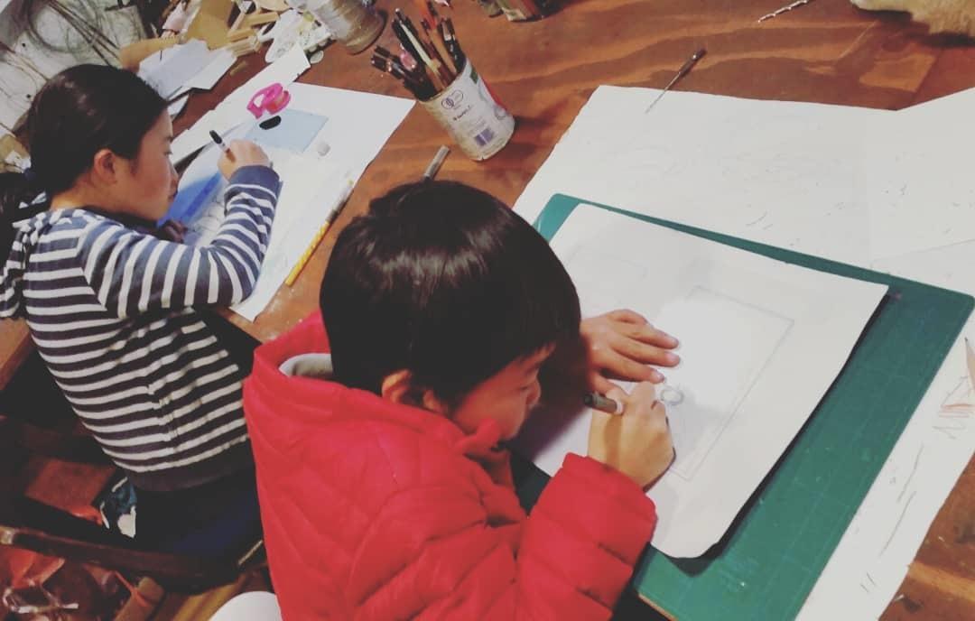 図工クラブ「たからのにわ」~「デザイン画で年賀状作り」_f0208315_16162660.jpg