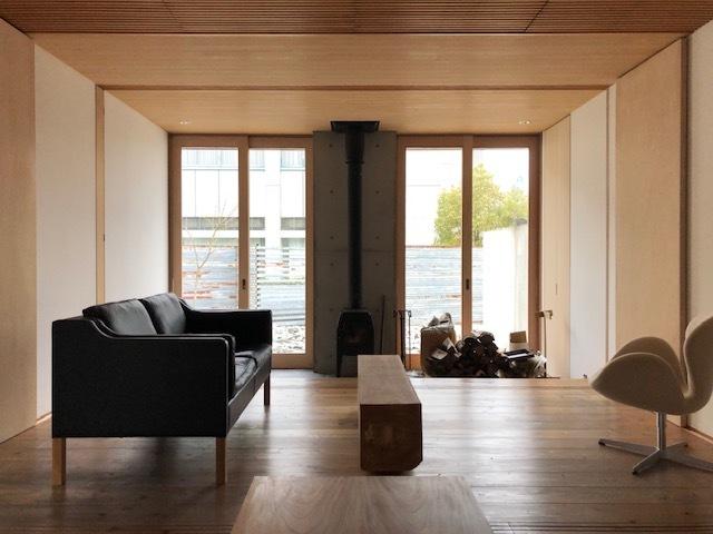 家具のレイアウトの変更_e0097130_22260780.jpg