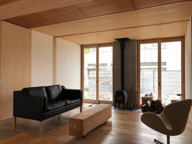 家具のレイアウトの変更_e0097130_22260835.jpg