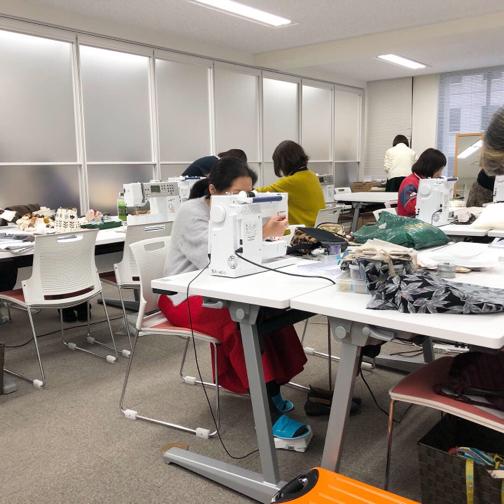 【ヴォーグ学園東京校】バッグとルームシューズと来年2020の目標と!!_f0023333_21230921.jpg