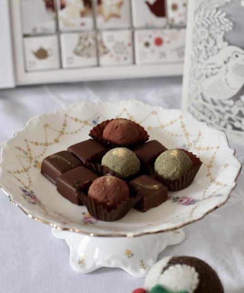 クリスマスのチョコレートはポーセラーツ の作品で楽しみたい_f0380234_03050940.jpeg