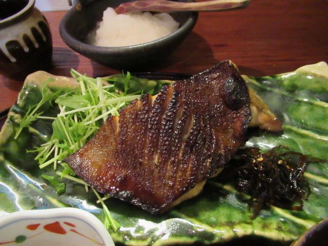 佐久・お料理 いけだ * 美味しいお魚の炭火焼定食♪_f0236260_03191702.jpg