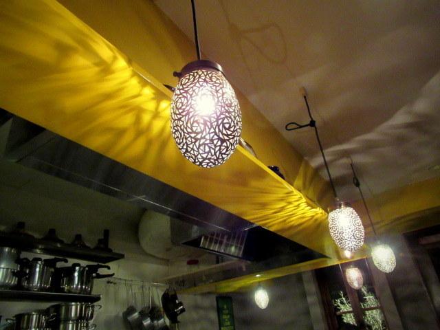 モロッコ料理の台所・エンリケマルエコス * カウンターでつつく絶品モロッコ料理!_f0236260_04105242.jpg
