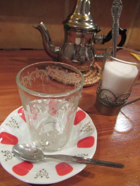 モロッコ料理の台所・エンリケマルエコス * カウンターでつつく絶品モロッコ料理!_f0236260_04183121.jpg